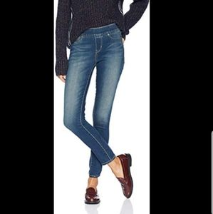 LEVI'S💟Signature Pull On Ankle Skinny Jeans 31x27